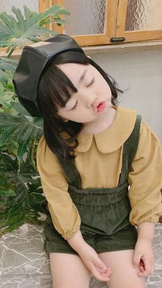 小女孩 二开 嘟嘴 童模 时装