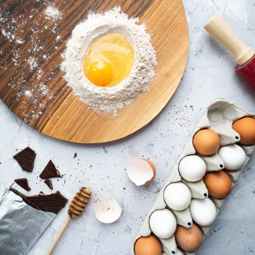 食材 雞蛋 面粉 巧克力 砧板