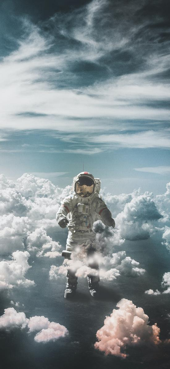 宇航員 太空服 云端 天空 空間