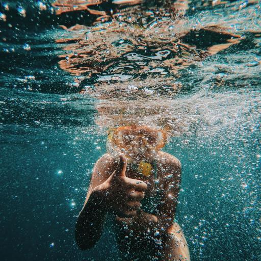 潛水 海水 水底 豎指 氣泡