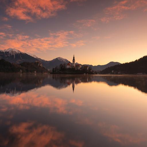 山水 倒映 夕陽 水面 天空