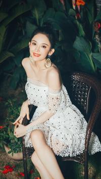艺人 演员 古力娜扎 礼裙