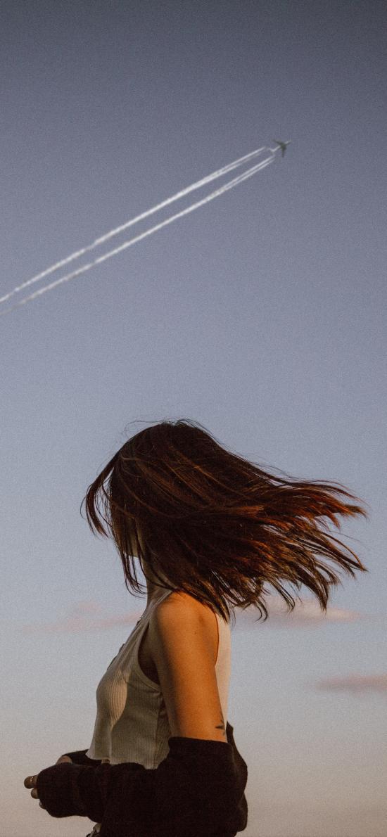 側身 回首 飛機 天空 女孩
