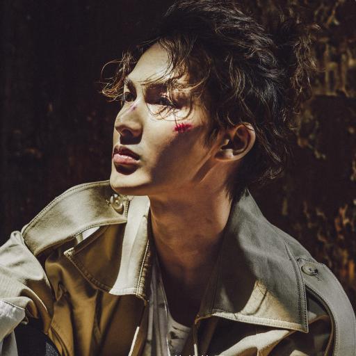 朱正廷 写真 伤口 偶像 歌手