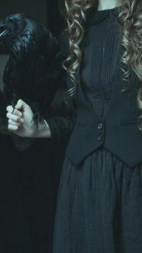 乌鸦 黑暗 摄影 女孩 裙子 诡异 哥特风