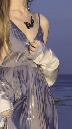 女孩 吊带裙 蝴蝶 紫色 唯美 海边