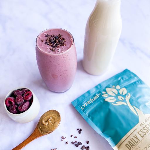牛奶 蔓越莓 果干 奶昔