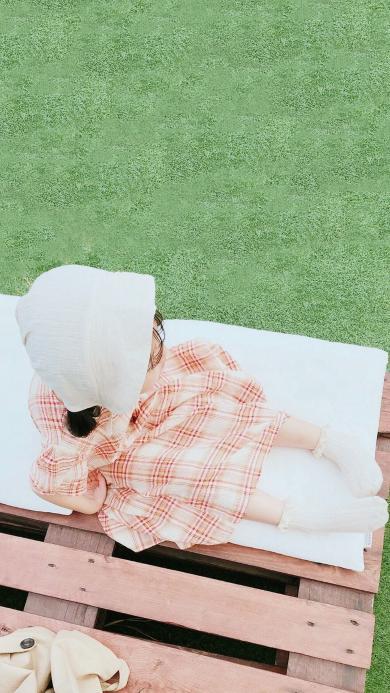 小女孩 孩子 儿童 草坪