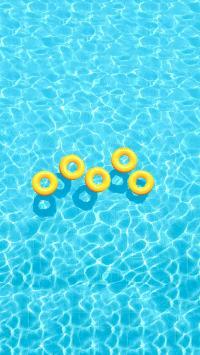 泳池 波光粼粼 泳圈 黄色