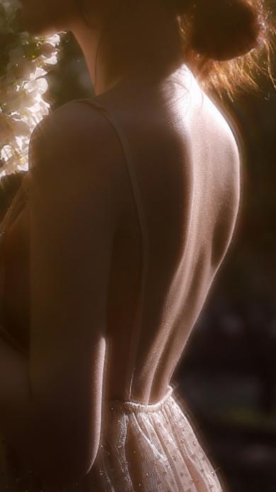 背影 性感 女孩 唯美 吊带裙