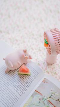 lulu猪 玩偶 可爱 萌 摆件 西瓜 风扇