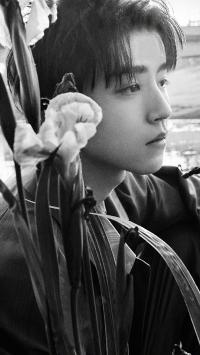 王俊凯 tfboys 歌手 演员 明星 黑白