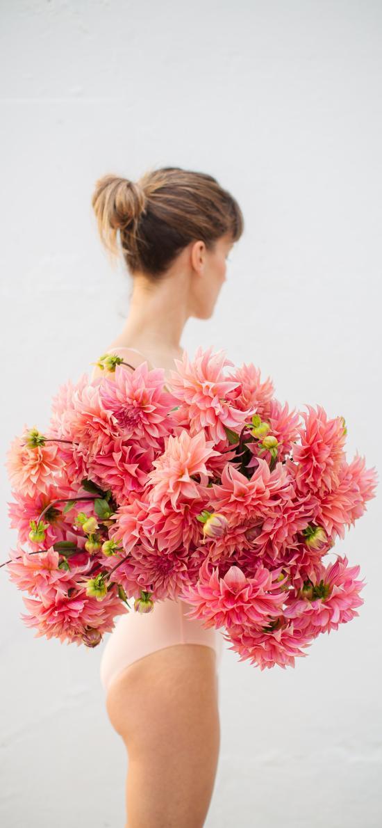 女孩 泳装 鲜花 粉色 花束