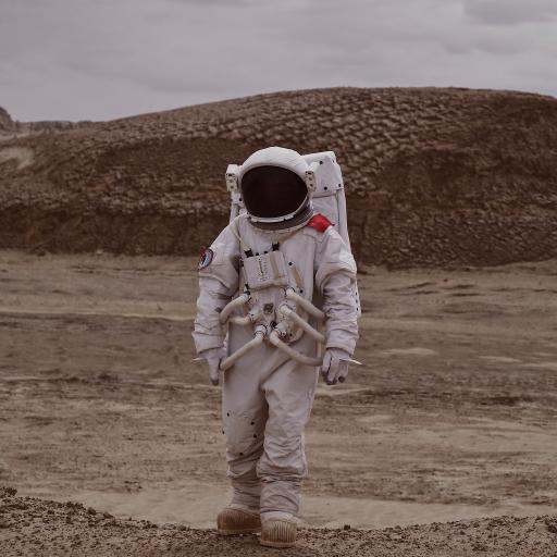 宇航员 太空服 孤独 荒漠 行走
