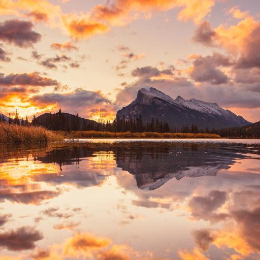 夕阳 湖水 倒映 云彩