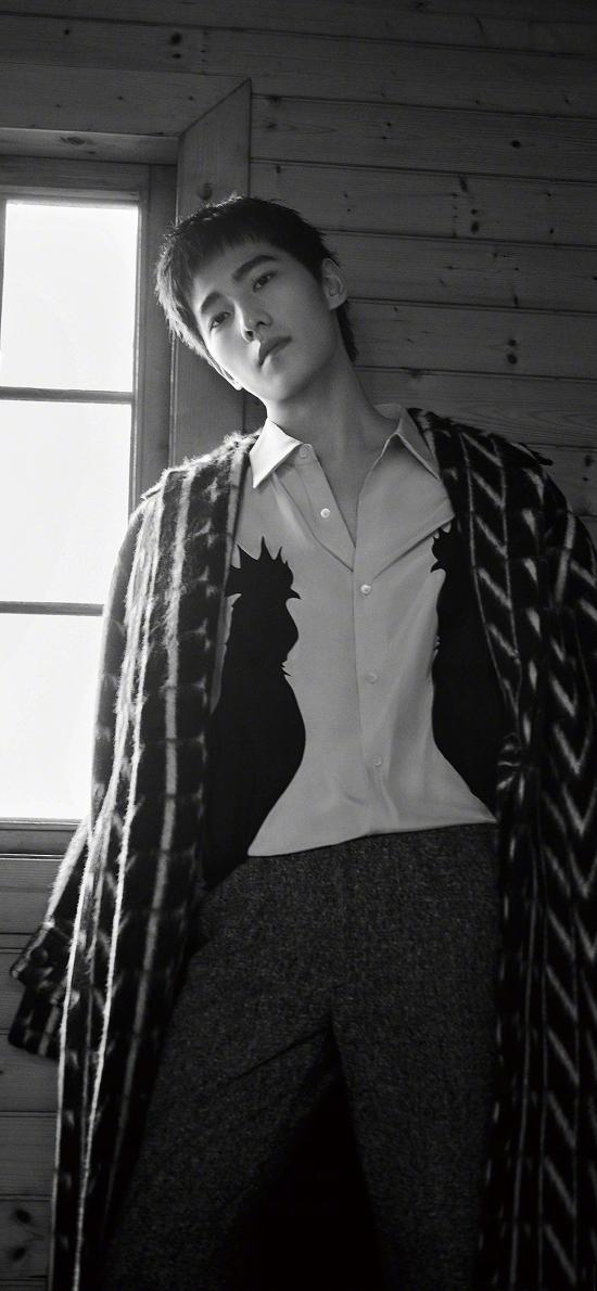杨洋 演员 明星 艺人 黑白 写真