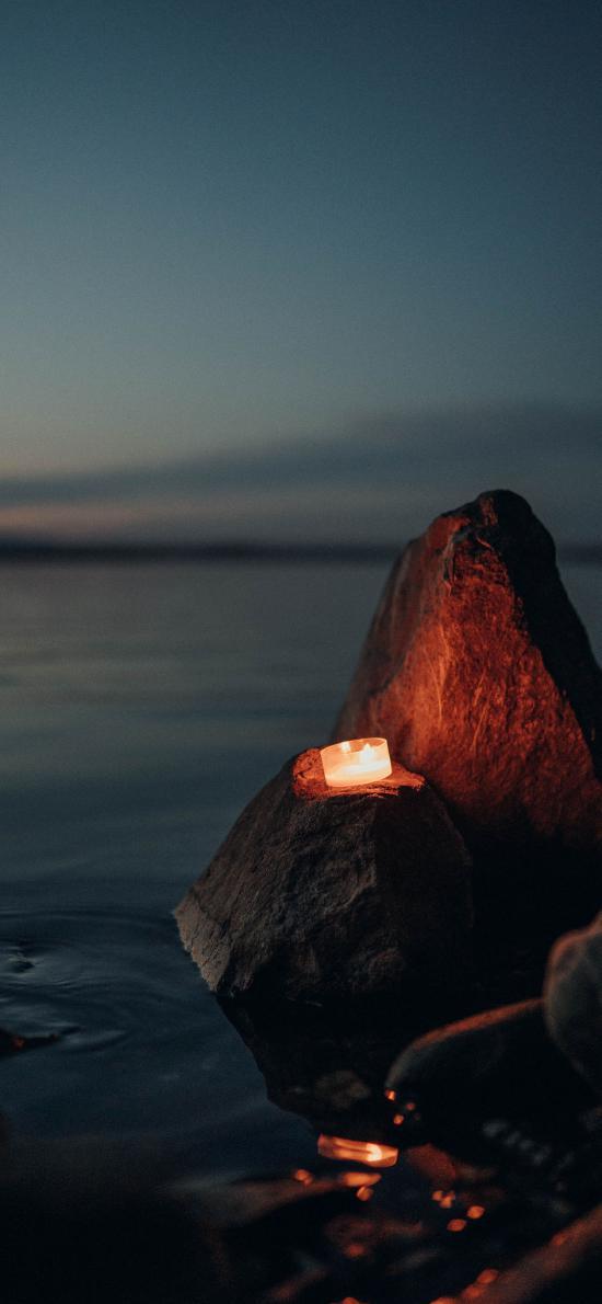 海景 夜景 岩石 蜡烛