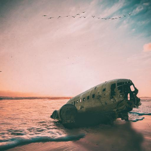 飞机 残骸 残破 航空 海水 大海
