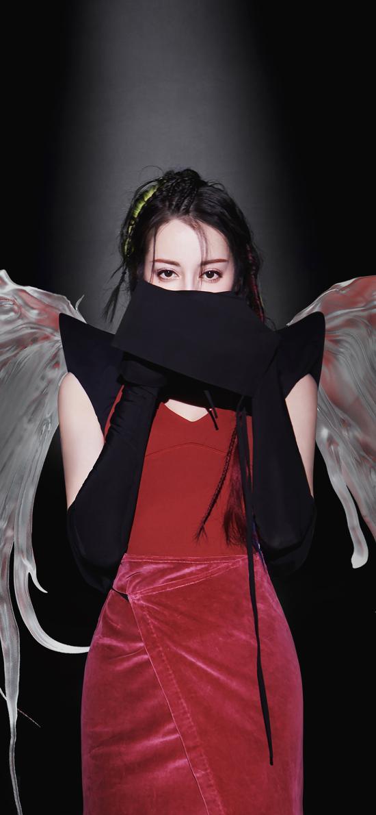 迪丽热巴 演员 明星 艺人 写真 翅膀