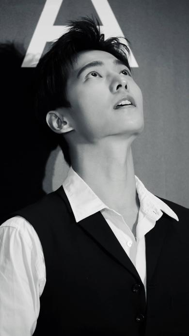 杨洋 演员 明星 艺人 黑白
