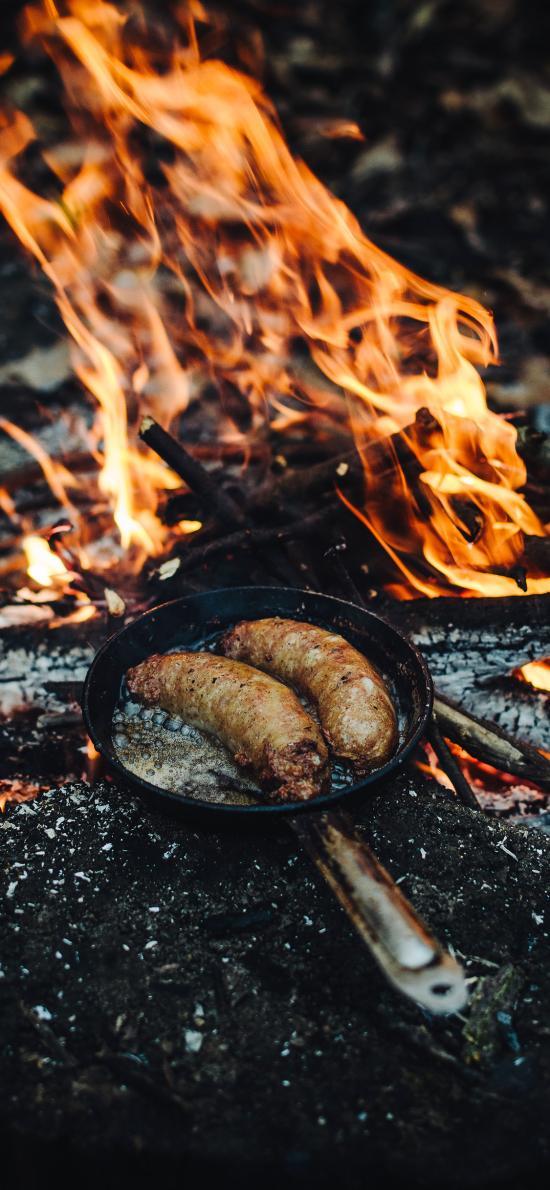 火堆 火焰燃烧 平底锅 香肠